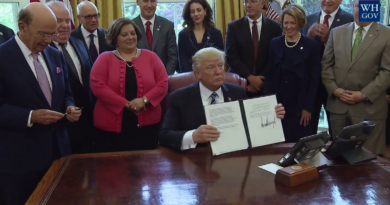 Trump Signs Memorandum Aluminum Imports Threats National Security.